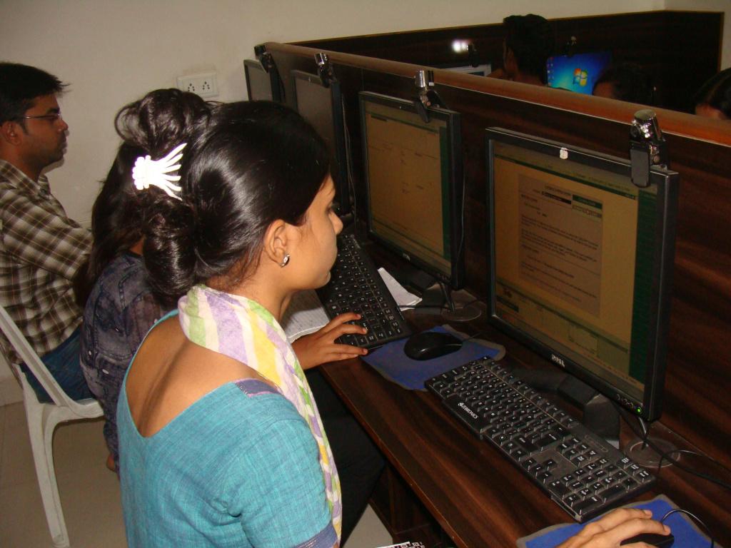 Case Story Of Aryaloka Computer Education The Buddhist Centre