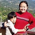 Två elever ('Bruce Lee' kallade sig den lilla tjejen till vänster)