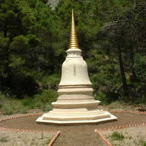 Dhardo Rimpoche's stupa at Guhyaloka