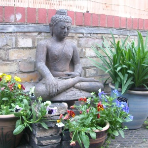 Cambridge Buddhist Centre garden