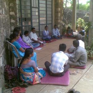 Dh. Yashobhara leading Group Study