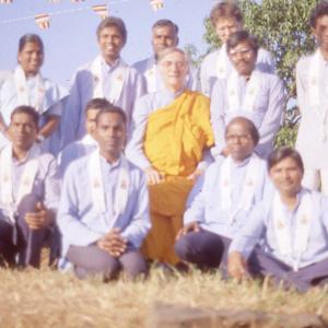 Dhni. Vimalsuri and Mumbai team with Bhante