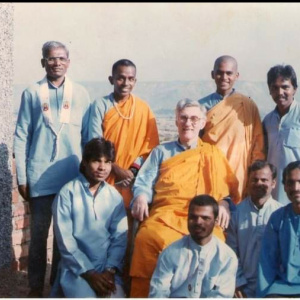 Community with Bhante at retreat center in 1992