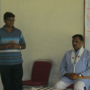 Dh. Yashosagar introducing Dh. Jnandhavj