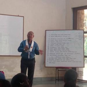 Dh. Prajnaditya leading workshop on Parenting