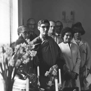 Bhikkhu Sangharakshita with group, Hampstead Buddhist Vihara 1965