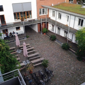 Hamburg Buddhist Centre courtyard