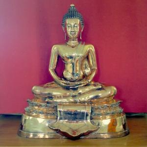 Thai rupa from the Hampstead Buddhist Vihara