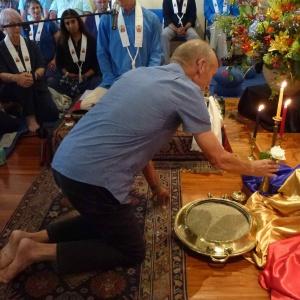 Dhiramuni makes his offering