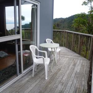 Tara solitary cabin: veranda