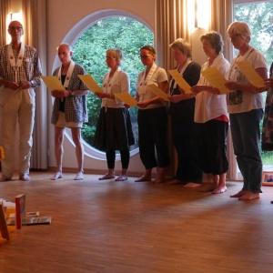 Singing the first few verses of Ratnaguna-samcayagatha.jpg