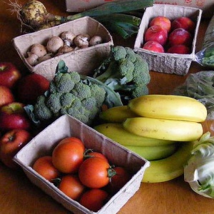 Organic fruit and vegetable box