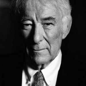 A review of the work of Seamus Heaney is included