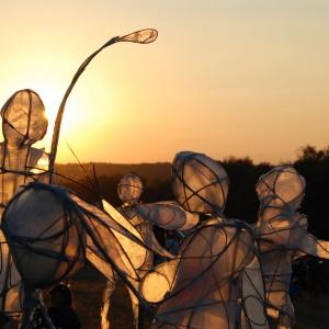 Dancing manequins (Rod Harbinson)