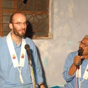 Arthabandhu delevering dhamma talk on