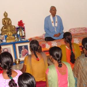 Saccadhamma leading meditation.