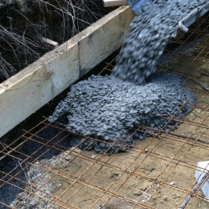 Cement flowing