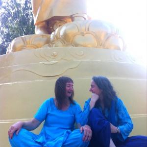 Sucimani & Dassini - podcasting under the Buddha