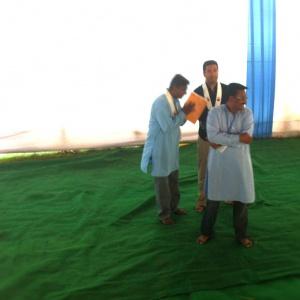 Yashosagar bows to his public!