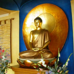 Buddha rupa at the London Buddhist Centre