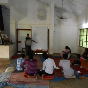 Tejadhamma leading workshop